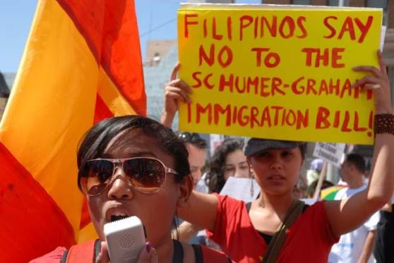 Members of SiGAw - GAB USA mobilize to oppose anti-immigrant legislation, May 1, 2010